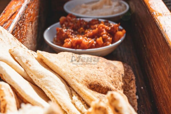 pita bread and dips, The Rocks Bar & Restaurant, Coral Sea Resort, Airlie Beach, Whitsunday Region