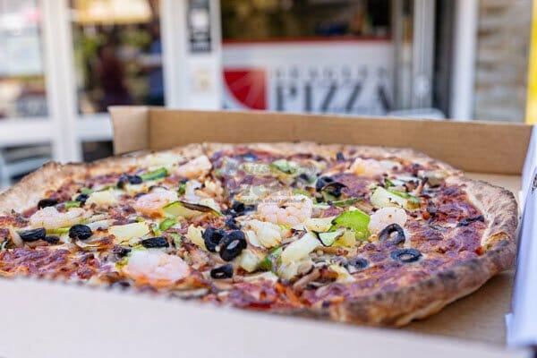 beagles supreme pizza,