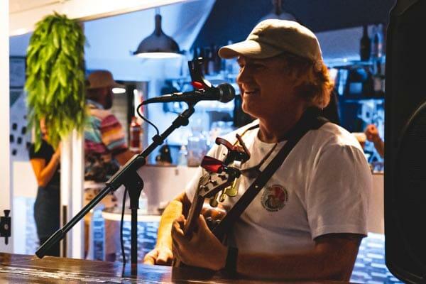 live music, Breeze Bar, Airlie Beach